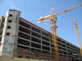 Строительство башенным краном Potain MC235B в Саратове